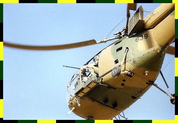 Alouette machine gunner makes ready...