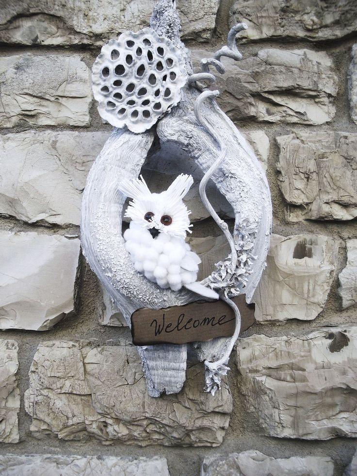 decorazione fuoriporta realizzata a mano con elementi naturali