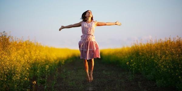 Serotonina: cos'è, dove si trova e come stimolare l'ormone della felicità
