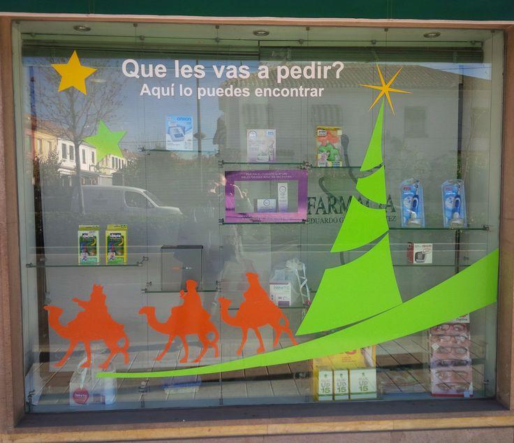 Escaparate navidad con vinilo adhesivado escaparatismo - Ideas escaparate navidad ...