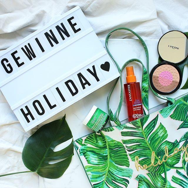 Newsletter Abonnenten aufgepasst!💌 2 Tage bleiben Euch noch, um diese sommerliche Strandtasche inklusive Beautyprodukten zu gewinnen. Schaut doch gleich mal in Euer Postfach! Für alle, die sich noch nicht angemeldet haben: Link in Bio!❣️ #gewinne #holiday #inspoletter #wohnklamotte #interior #dekoration #idee #letusinspireyou #getinspiredbyus #blogger_de #beauty #tropical #beachday #vacation #travelling #sun #amazing #adorable #einrichtung #inspo #visualstatement #gewinnspiel #art #colorful…