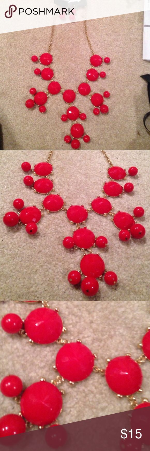 NWT Red Bubble Necklace with Matching Earrings NWT Red Bubble Necklace with Matching Earrings FASHION JEWELRY Jewelry Necklaces