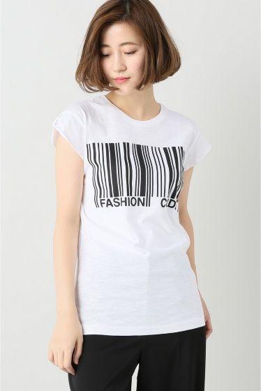 """HAPPINESS FAMOUS CODE  HAPPINESS FAMOUS CODE 7020 2016AW FIGARO Paris デザインTシャツで有名なイタリアブランド\""""HAPPINESS\""""よりTシャツが登場 ユニークなデザインとシルエットにこだわったTシャツはシーズン問わずワードローブに加えたいアイテム 女性らしいコンパクトなサイズ感でカーディガンやコートのインナーとしても重宝します HAPPINESS 世界中の有名デパートやセレクトショップで人気のイタリア製のTシャツブランドです スタイリングのポイントになる遊び心あるプリントが男女問わず人気です  モデルサイズ:身長:165cm バスト:80cm ウェスト:60cm ヒップ:86cm 着用サイズ:38"""