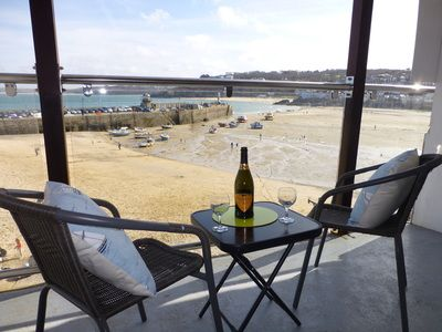Stunning self catering holiday apartments overlooking St Ives Harbour - Scorer Property