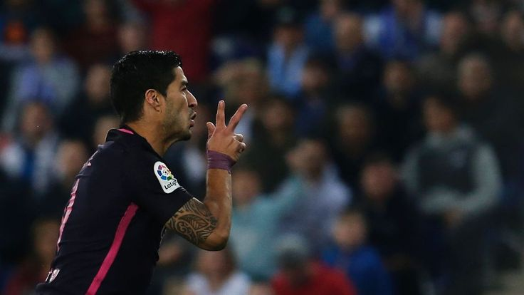 Barcelona keep the pressure on with victory over crosstown rivals Espanyol