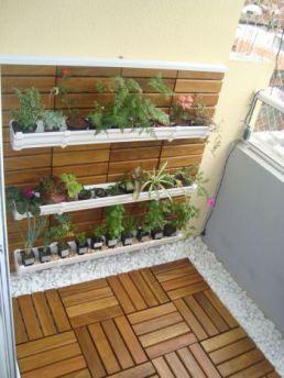 ... balcone, Giardino sul balcone dellappartamento e Decorazione balcone