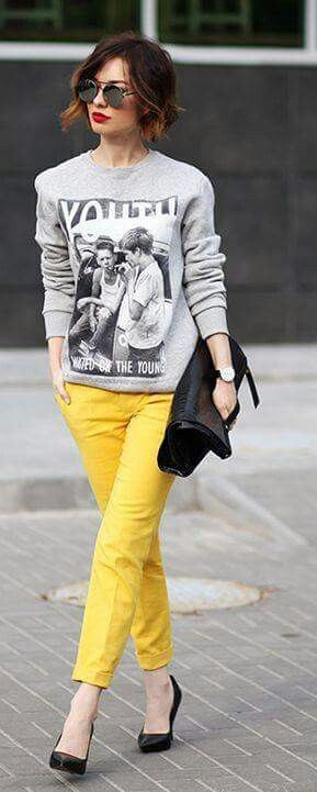 Slim pants in yellow (a bit too much on the bright side).