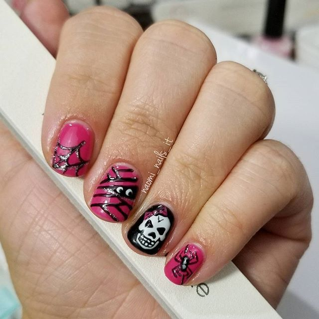 Guys I Forgot To Post Yesterday So Here S An Evil But Sweet Little Treat To Start Your Halloween Weekend Off Look Created Nails Nail Trends Halloween Nails