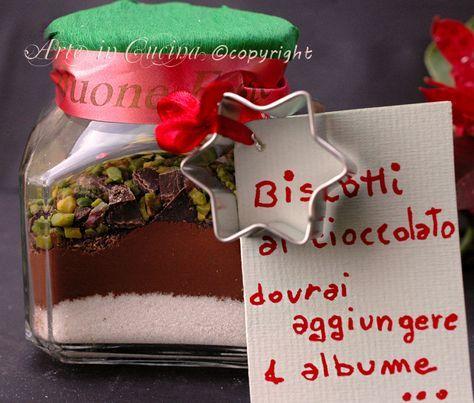 Biscotti da regalare in barattolo, idea facile e veloce, biscotti al cioccolato e pistacchio, senza farina e burro, senza lievito, ottimi per intolleranti.