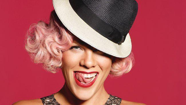 pink | Pink est une chanteuse et compositrice américaine qui a connu ...