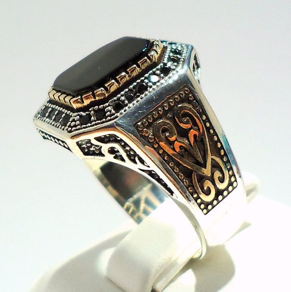 925 Sterling Silver Mens Ring with Black Onyx and Little Onyx Inlaids #mensWeddingBands #MensWeddingRings