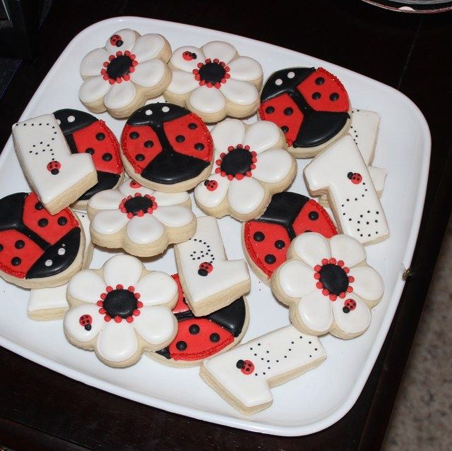 Cute ladybug party cookies!
