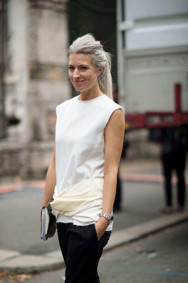 Sarah Harris - Amarração na blusa traz graça