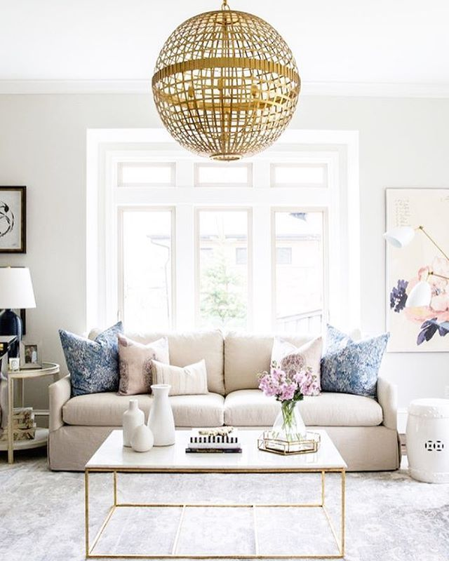 "LaurenConrad.com on Instagram: ""from the unique chandelier to the neutral color palette, this gorgeous room from @smpliving is pretty much our décor dreams. when can we move in?! ✨ #regram #lcdotcomloves photography: @lindsay_salazar_photography, interior design: @studiomcgee"""