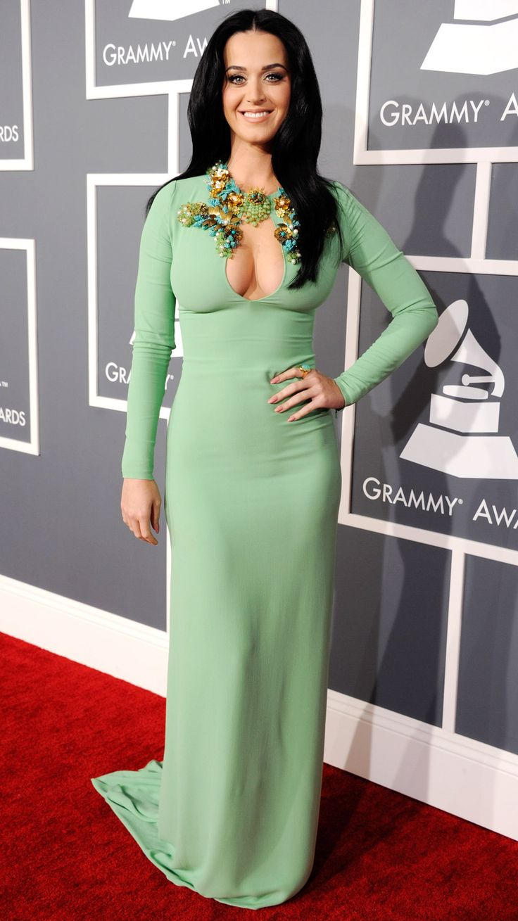 Katy Perry Shows Major Cleavage in Mint Green Gucci Dress at 2013 Grammy Awards - UsMagazine.com