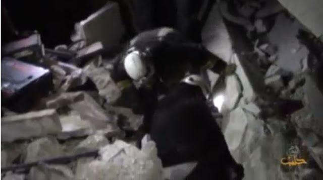 Bom masjid JT AS berkelit  Cuplikan Video Reuters  Kelompok oposisi Suriah Ahrar Syam menuduh pasukan koalisi pimpinan AS menyerang sebuah masjid di dekat Aleppo. Ahrar al-Syam mengutuk serangan itu. Pemboman terhadap masjid atau tempat ibadah lainnya adalah kejahatan perang. Hay'at Tahrir Syam juga mengecam koalisi pimpinan AS. Serangan udara ini dipastikan dilakukan oleh Amerika Serikat. Koalisinya menyerang ISIS di bagian timur Suriah. Sedangkan serangan di barat Suriah (Idlib dan Aleppo)…