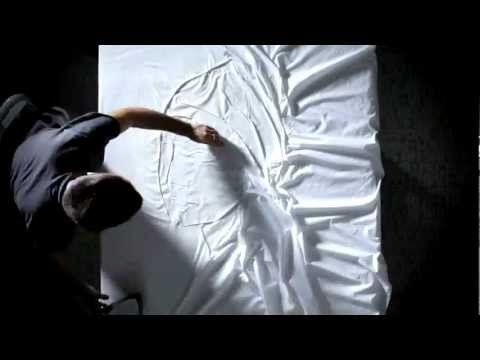 The Art of Ironing - Philips Russia shows you what can be done with an iron and a sheet to turn it into a few masterpieces