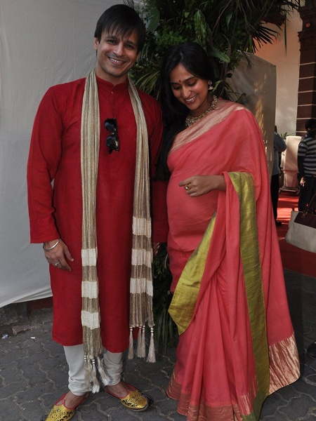 Looks like Bollywood actor Vivek Oberoi and wife Priyanka Alva are in seventh heaven! And why not? The couple is preparing to welcome their first child in February. We spotted the happy couple at director Shaad Ali's wedding.