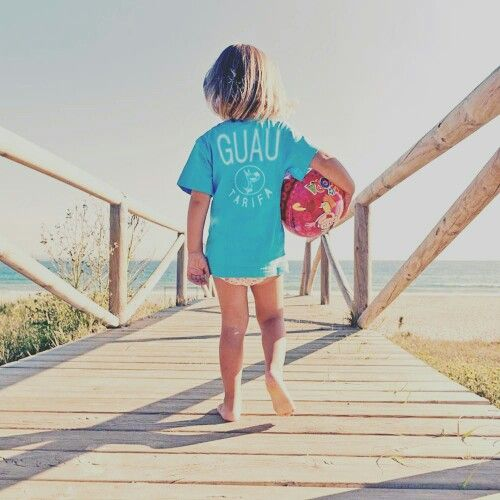 El plan perfecto.... #Tarifa #sol #playa pelota y #EspírituGuau  #Guau #camisetas #CamisetasGuau www.guautarifa.com