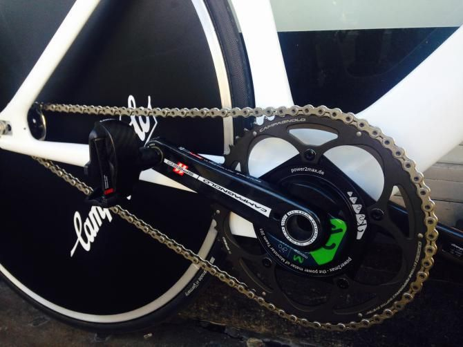 First look: #AlexDowsett's #HourRecord bike! #Dowsett has yet to choose his gears for the #HourRecord attempt but they will be pretty big!