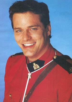 Paul Gross. How sweet is that smile?? LANIKA HAVE YOU WATCHED DUE SOUTH YET?