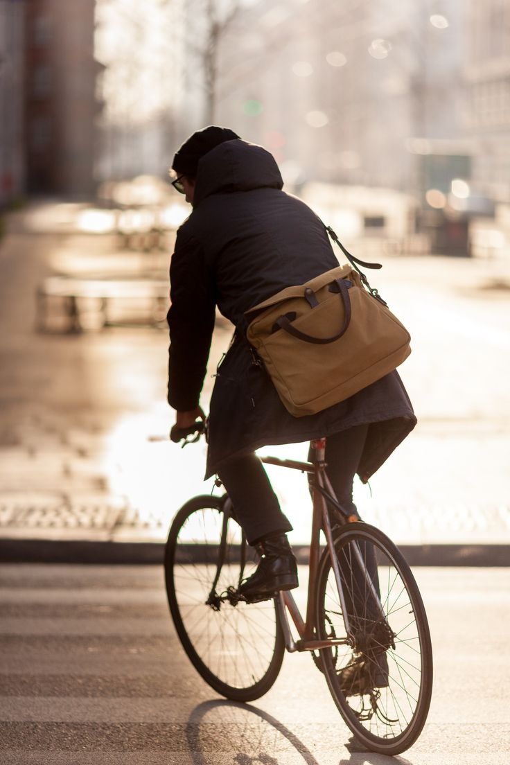 Outdoors has ceased to be about the top of the mountain, but now is all about how you live outside in the city. www.beaubags.nl www.beaubags.de