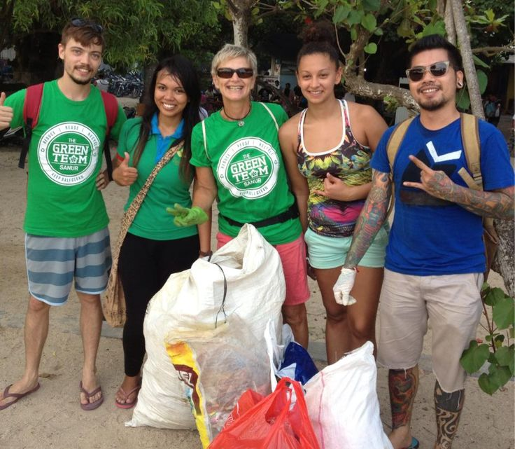 Sanur Beach Clean-up Team sponsored by Bali BISA.  This great team collect rubbish along the Sanur beachfront every Sunday afternoon.  Bali BISA proudly created their logo and staff lend a hand as often as possible.