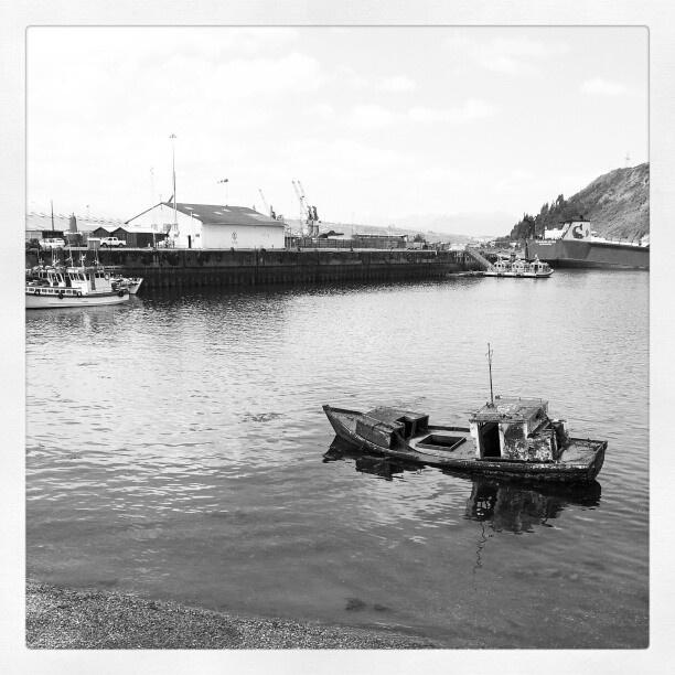 Bote viejo en #angelmo #puertomontt