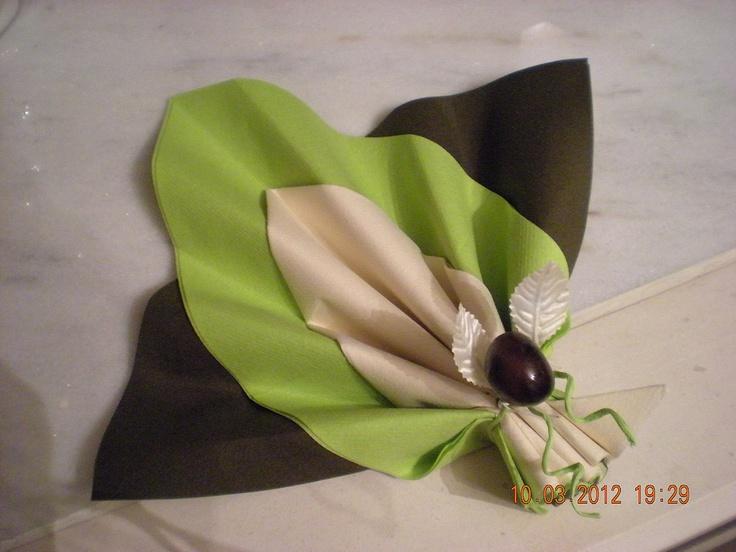13 best pliage serviettes images on pinterest communion napkins and napkin - Pliage serviette feuille 2 couleurs ...