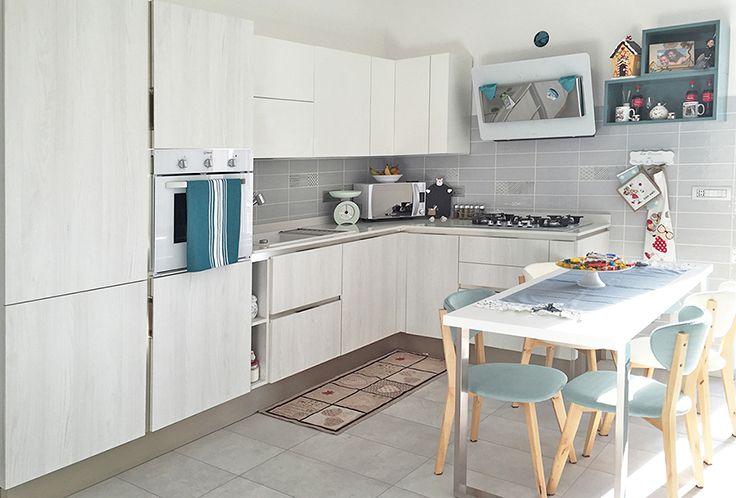 A casa di Francesco&Marta At Francesco&Marta House Modello_Model: Start-Time.GO Rivenditore: Ferroni Arredamenti http://www.venetacucine.com/ita/racconti-di-vita/francescoemarta.php #raccontidivita
