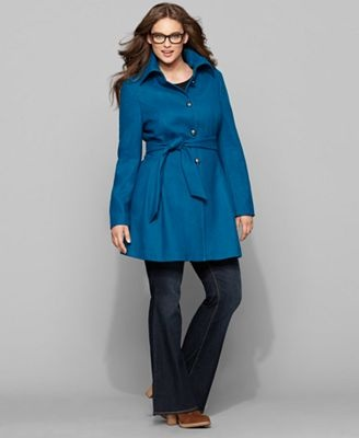 very cute shape to this plus size peacoat