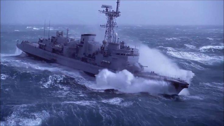 Marinha - Navio em Tempestade