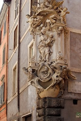 Maria on every corner of the streets in Rome