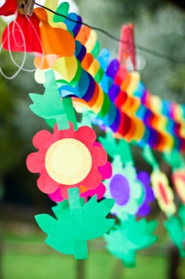 This is a guide about homemade birthday party decorations. Making your own birthday decorations is fun and can save you money.  It also allows you to match the decorations to fit what your child likes.