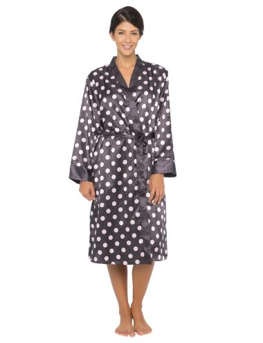 This spot robe is made from a brushed back satin for added warmth.