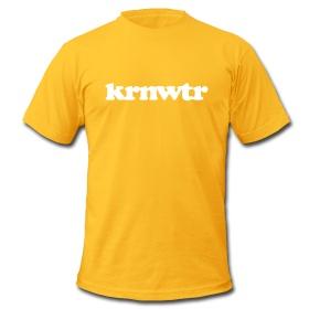 Geel KRNWTR shirt met wit logo. Hoe zomers wil je het hebben?