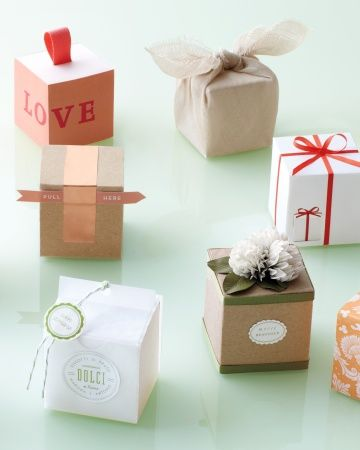 ten ways to decorate a favor box