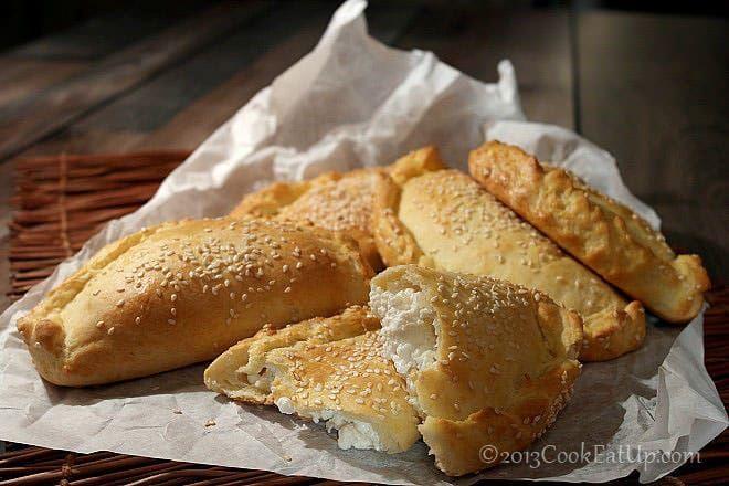 Τυρόπιτες με ζύμη κουρού ⋆ Cook Eat Up!
