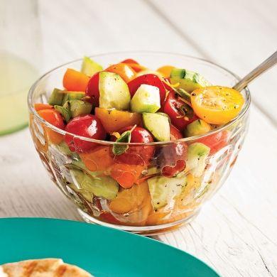 Salade de concombre et tomates colorées - Recettes - Cuisine et nutrition - Pratico Pratique