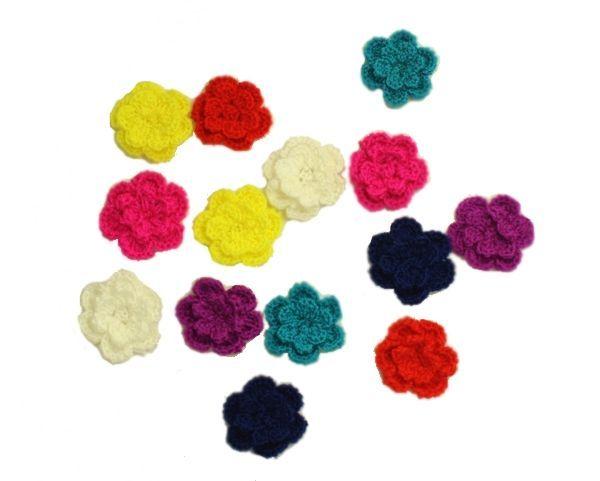 Wat een schattige gehaakte bloempjes! Met drukkertje voor op de WaaaW kids jurk of beenwarmers.