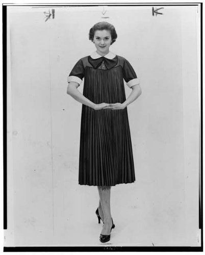 Photo: Woman posed in a 1950s maternity dress Clothing ...