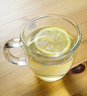 5 Reasons Why Lemon Water Should Be Your New BFF - If you and lemon water were back in middle school together you'd save it a seat at the lunch table and talk about which boys are cute and which boys...