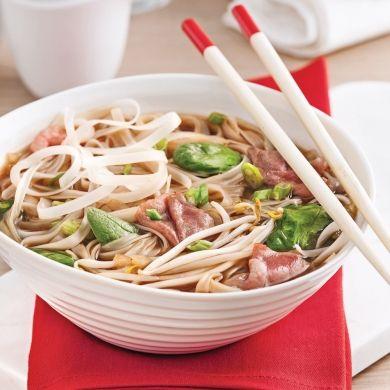 Le doux bouillon de la soupe tonkinoise, rien de tel pour satisfaire nos envies de mets à l'asiatique!