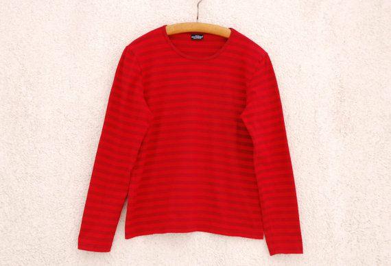 MARIMEKKO camisa náutico marinero rayas rojo superior blusa Marina suéter manga larga de tamaño medio  Tamaño estimado: M (mediana)  Medidas (mentira plana):  Hombros - 16,5/ 42 cm Hoyo a hoyo - 19/ 48,3 cm Cintura - 17,5/ 44,5 cm Manga - 24 1/4/ 61,6 cm Longitud - 24/ 61 cm  Marca: MARIMEKKO (hecho en Finlandia)  Nota: el Color puede diferir ligeramente imagen  Condición: una condición de Vintage  Por favor verifique las medidas para asegurar un ajuste apropiado...