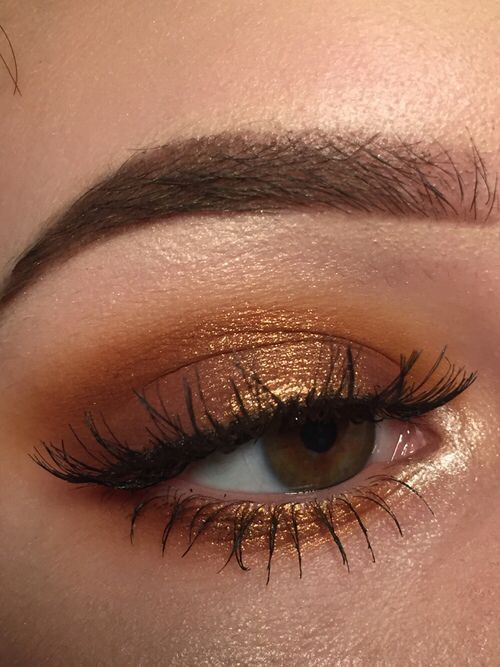 44 Awesome Golden Smokey Eye Makeup with a bang of gold. #Women # #Golden gilded