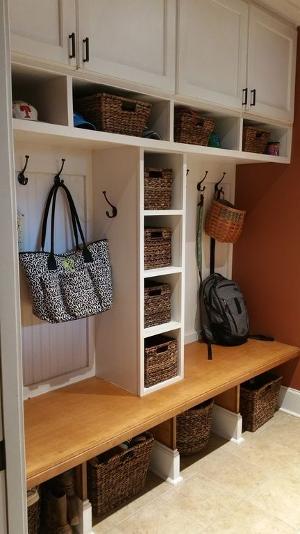 Traditional Mud Room with Carpet, High ceiling, Built-in bookshelf