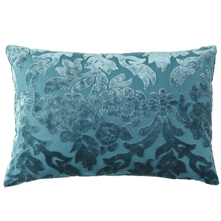 Subtle pillow