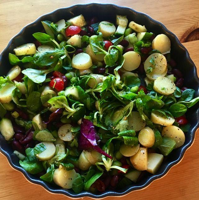 Fargerik potetsalat med bønner