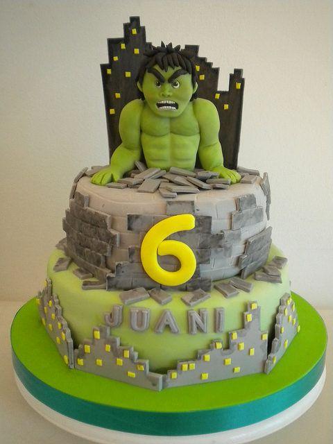 Torta Hulk by Pastelera Bakery Shop, via Flickr