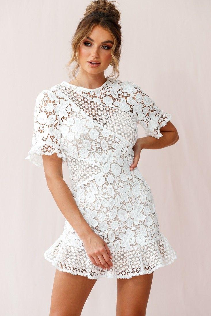 The Crocheted Wedding Dress Onewed Wedding Dresses Lace Unconventional Wedding Dress Crochet Wedding Dresses [ 1123 x 800 Pixel ]